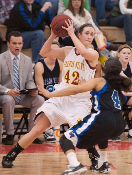 Hoping For a Win: FSU senior guard/forward Tricia Principe during a 2010-11 season game. The Bulldogs will head to Tiffin on Dec.1 hoping to add another win to their 2-1 overall 2011-12 record. Photo Courtesy of Ferris State Athletics