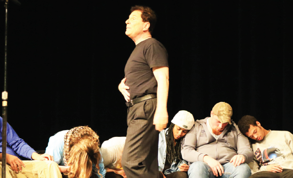 Tom DeLuca mesmerizes students before exam week during his Dec. 2015 performance at Ferris State University.